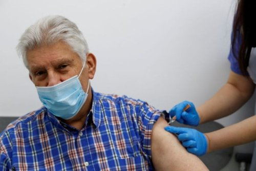 COVID Vaccine Protection Highly Likely to Wane Over Time - UK Advisers Say   World News   US News