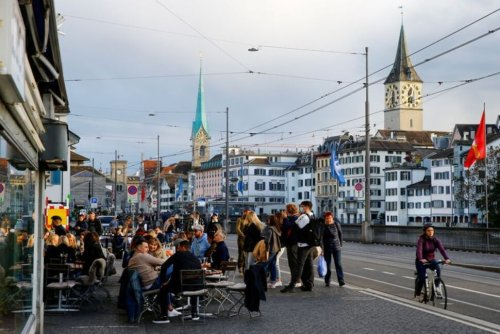 Swiss Voters Set to Back Government's COVID-19 Response Plan - Poll