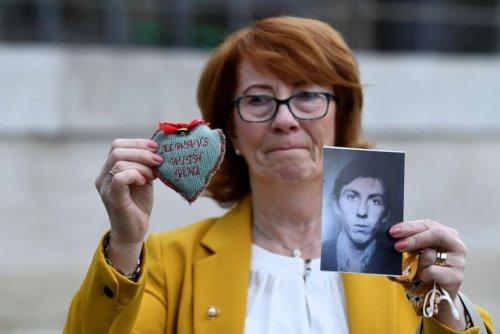 British Soldiers Shot Dead Innocent Northern Irish People in 1971 Incident - Inquiry