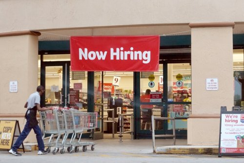 Jobless Claims Rise to 351,000, Above Expectations