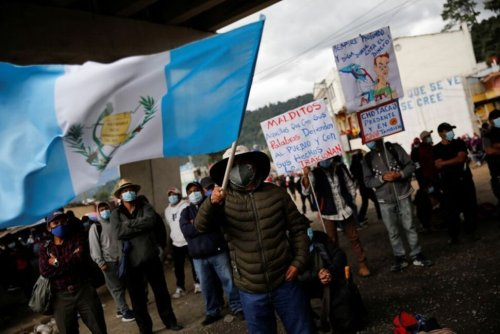 Guatemalans Protest for Second Day to Demand President Resigns   World News   US News