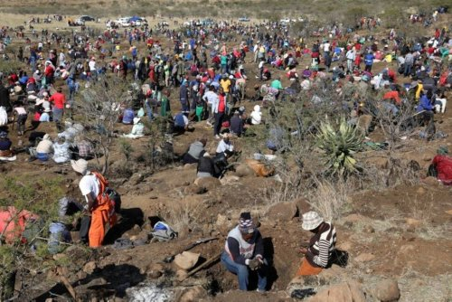 S.African 'Diamond Rush' Unearths Only Quartz Crystals, Officials Say | World News | US News
