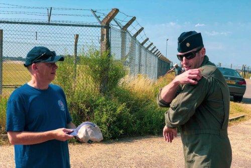 US Pilot Thanks British Man Who Guaranteed a Happy Landing | World News | US News