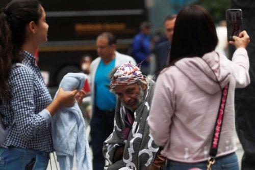 New York Grapples With Growing Presence of Homeless in Midtown Manhattan | Top News | US News