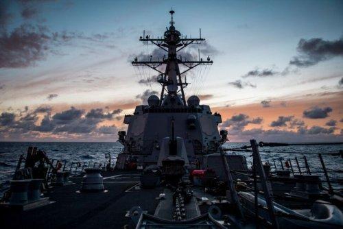 US, Canadian Warships Sailed Through Taiwan Strait Last Week