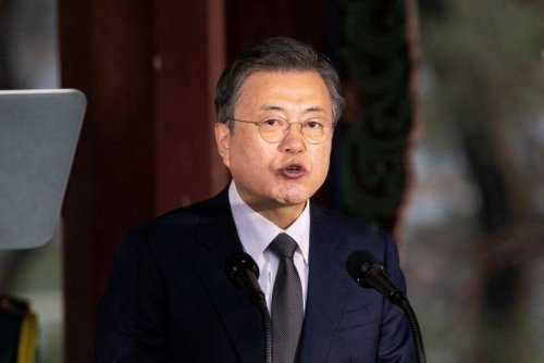 South Korea's Moon Replaces PM, Cabinet Ministers After Election Defeat