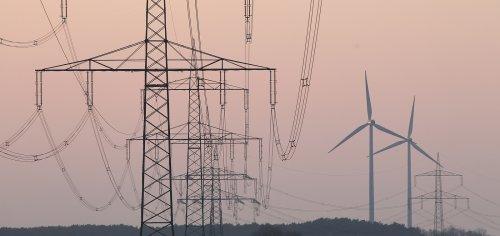 Amazon, DOE, PJM urge FERC to support proactive transmission planning for an evolving grid