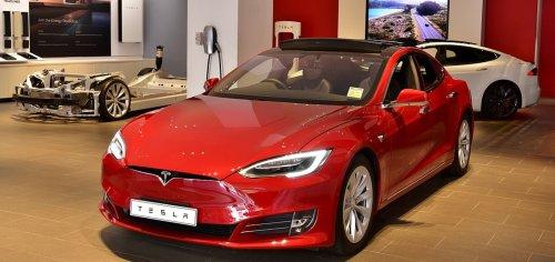 Tesla praises, ConEd opposes different New York EV bills