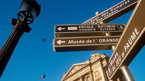 Que faut-il penser de la suppression des panneaux directionnels à Paris ?