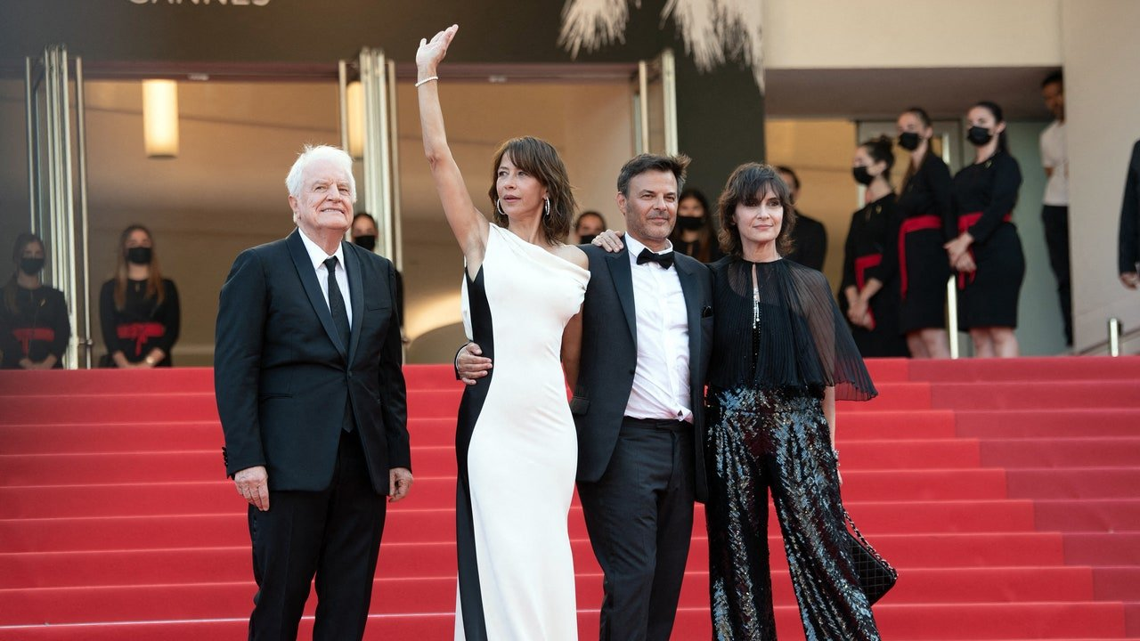Festival de Cannes 2021 : Après 6 ans d'absence, Sophie Marceau est de retour plus éblouissante que jamais