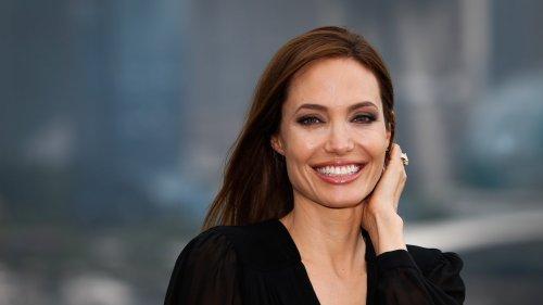 Angelina Jolie et The Weeknd relancent la rumeur en se rejoignant à nouveau dans un restaurant italien
