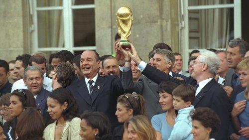 Quand Jacques Chirac et les Bleus faisaient la fête dans les jardins de l'Élysée