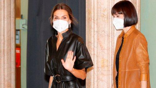 Pourquoi la robe en cuir noir de Letizia d'Espagne fait-elle autant parler d'elle ?