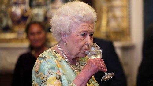 Alertée par ses médecins, Élisabeth II va devoir limiter sa consommation d'alcool