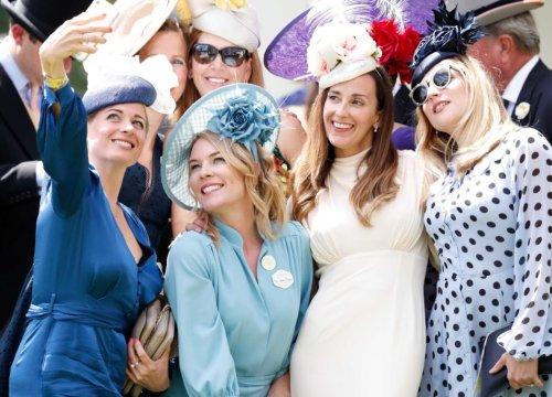 Le amiche della sposa: quando l'invitata al matrimonio vuole essere anche posh - VanityFair.it