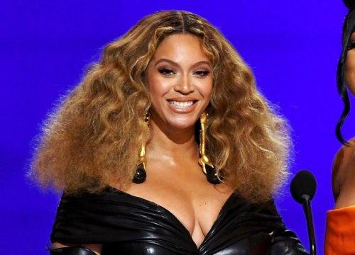 Le novità tra highlights e riflessi per dare luce e movimento ai capelli - VanityFair.it