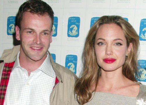 Angelina Jolie con l'ex Jonny Lee Miller e gli altri gossip del weekend - VanityFair.it