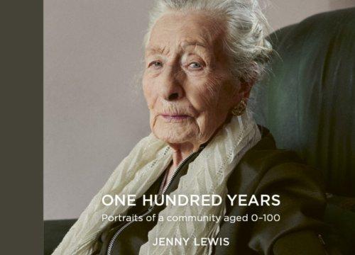 Ritratti da 0 a 100 anni, i volti di una comunità. Le foto - VanityFair.it