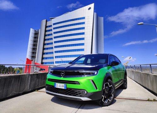 Opel Mokka-e: la prova su strada della compatta elettrica teutonica - VanityFair.it