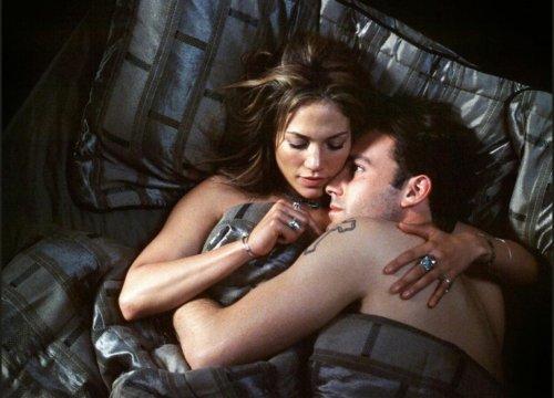 Jennifer Lopez e Ben Affleck, è vero amore: il primo bacio catturato dai fotografi - VanityFair.it