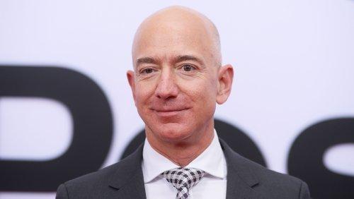 Oscars: Chris Rock Pokes Fun at Amazon's Jeff Bezos