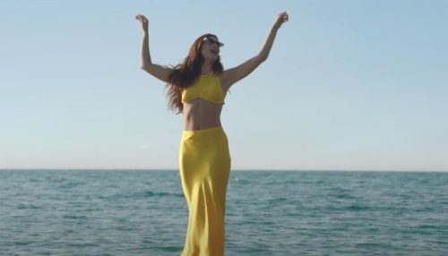 Lorde's Yellow Two-Piece Set From Her 'Solar Power' Video Is Finally Back Online