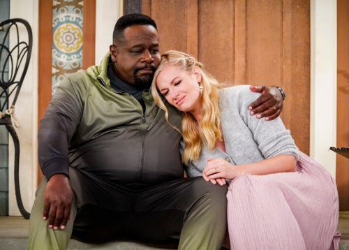 Why 'The Neighborhood' Showrunner Meg DeLoatch Drew From Chrissy Teigen and Personal Experience for Pivotal Season 4 Episode