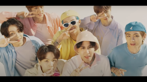 BTS 'Dynamite' Tops 1 Billion Views on YouTube