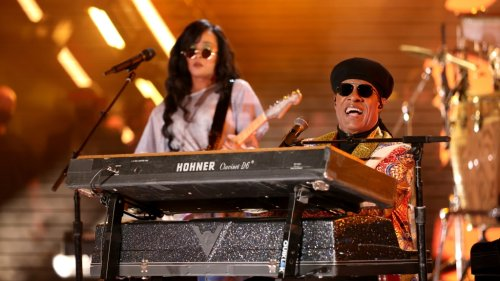 Stevie Wonder and H.E.R. Bring the House Down at Los Angeles Edition of Global Citizen Fest