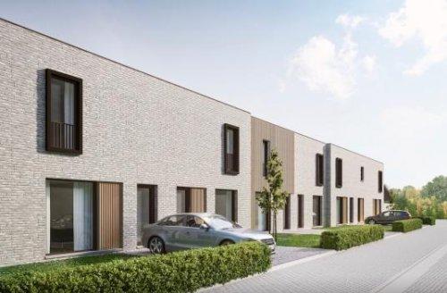 Vastgoed Unicum -             Centraal gelegen energiezuinige nieuwbouwwoningen met ruime tuin, 3 slpk en carport*