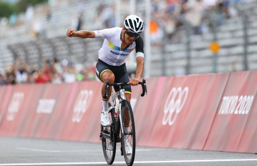 Richard Carapaz bounces from Tour de France podium to Olympic gold: 'You always have to believe'   VeloNews.com