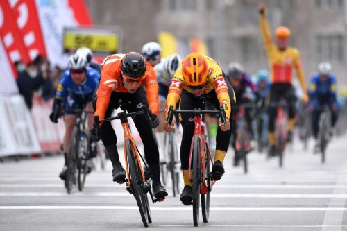 VN tech ticker: Racing (and winning) in a $65 helmet, chamois tech in gloves, and more | VeloNews.com
