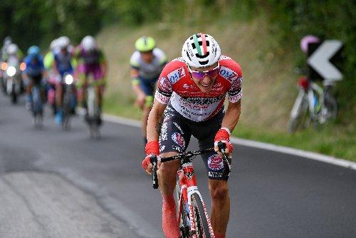Giro di Hoody: Few chances for smaller teams in the Giro d'Italia | VeloNews.com