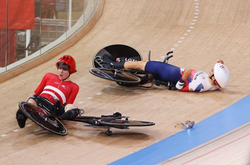 Olympic drama as Denmark collides with Great Britain rider in Team Pursuit | VeloNews.com