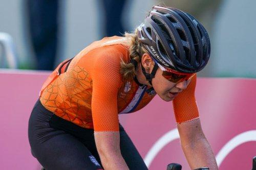 VN news ticker: Anna van der Breggen pulled from bike by Tokyo official, Mikel Landa returns   VeloNews.com