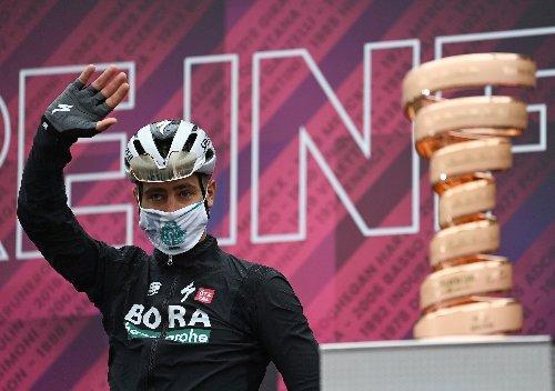 Giro di Hoody: Peter Sagan 'hungry for wins' at Giro d'Italia | VeloNews.com