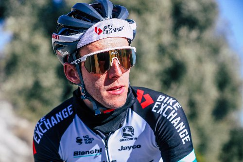 Simon Yates happily flying under the radar at Giro d'Italia | VeloNews.com
