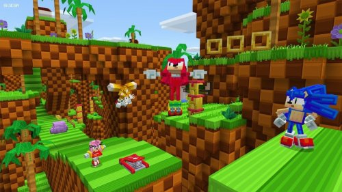 Sonic dashes into Minecraft