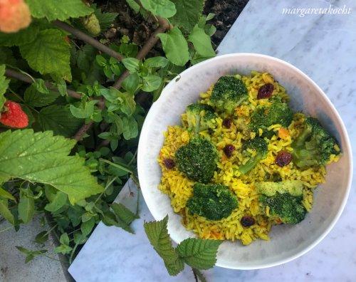veganer Kurkuma Gemüse Reis (und) Leicht durch den Sommer!