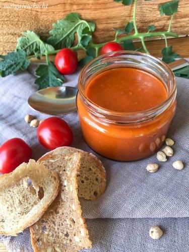 orientalische Tomaten Suppe mit Kichererbsen (und) Es wird kolt und ima köta!