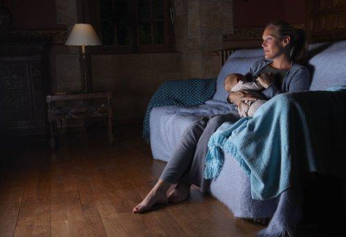10 Binge-Worthy Postpartum TV Shows