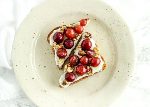 10 Mediterranean Diet Snacks