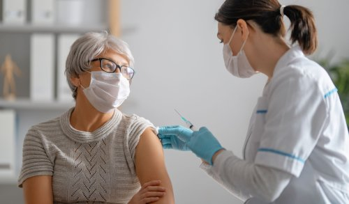 What Everyone on Medicare Needs to Know About the COVID Vaccine
