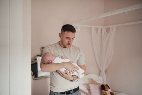 Anxiety in New Fathers May Be More Common Than Previously Reported