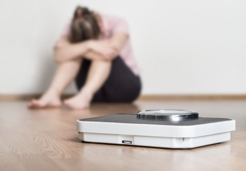 Anorexia vs. Bulimia: Symptoms, Treatment, and Differences