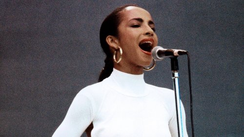 7 of Sade's most iconic outfits