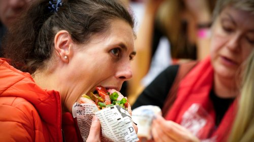 That's Not How You Eat a Sandwich, According to This Japanese Manners Teacher
