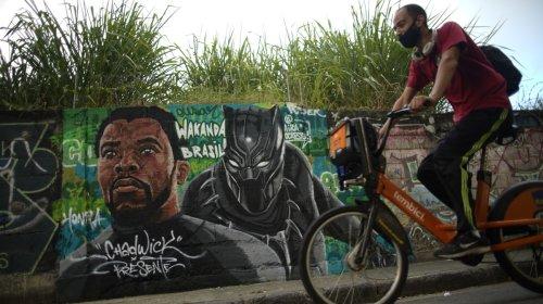 Chadwick Boseman transformou as vidas de crianças negras nas favelas do Brasil
