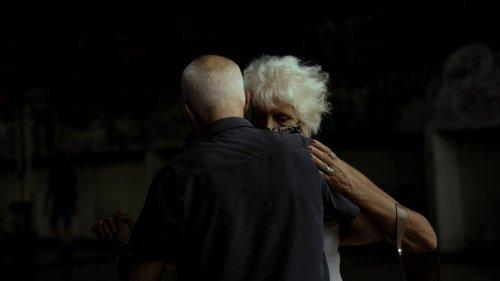 Argentinien: Alte Menschen lassen sich durch Corona nicht das Tanzen verbieten
