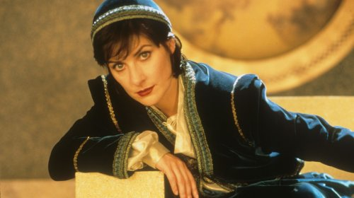 The Guide to Getting Into Enya, Patron Saint of Mystical Mood Music